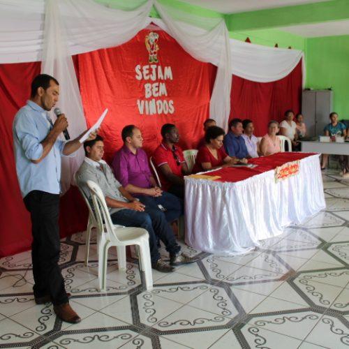 Em Caridade do Piauí, senadora Regina Sousa reúne lideranças e discute reformas e programas do Governo