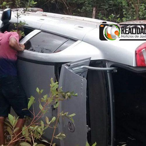 Criança morre e família fica ferida em acidente a caminho de festa de Natal
