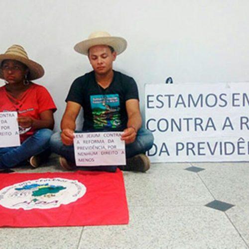 Contra Reforma da Previdência, casal está há 19 horas sem comer no Piauí