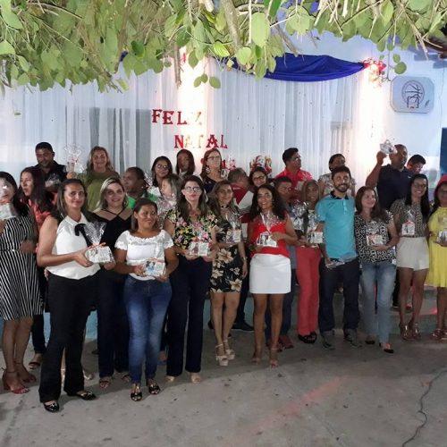 Escola municipal promove confraternização entre funcionários com musica ao vivo em Massapê