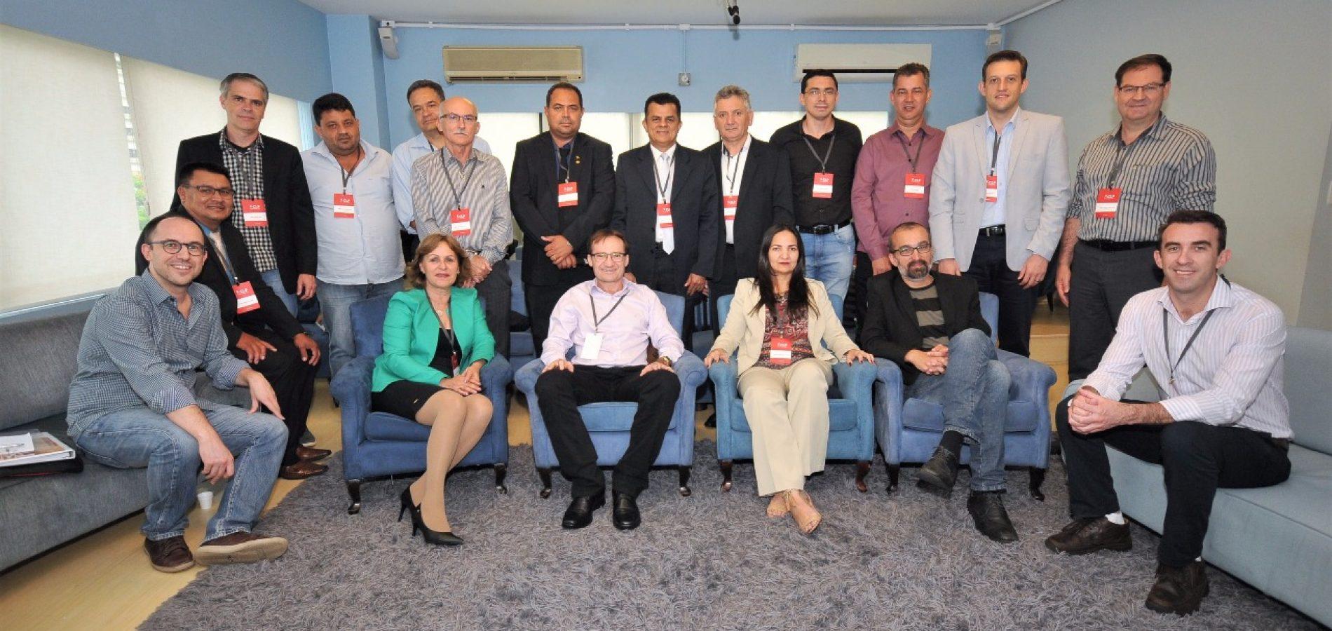 Em São Paulo, prefeito Chico Carvalho participa de curso de formação para gestores municipais