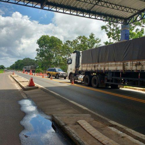 PRF apreende cerca de 130 toneladas de madeira ilegal em quatro carretas no Piauí