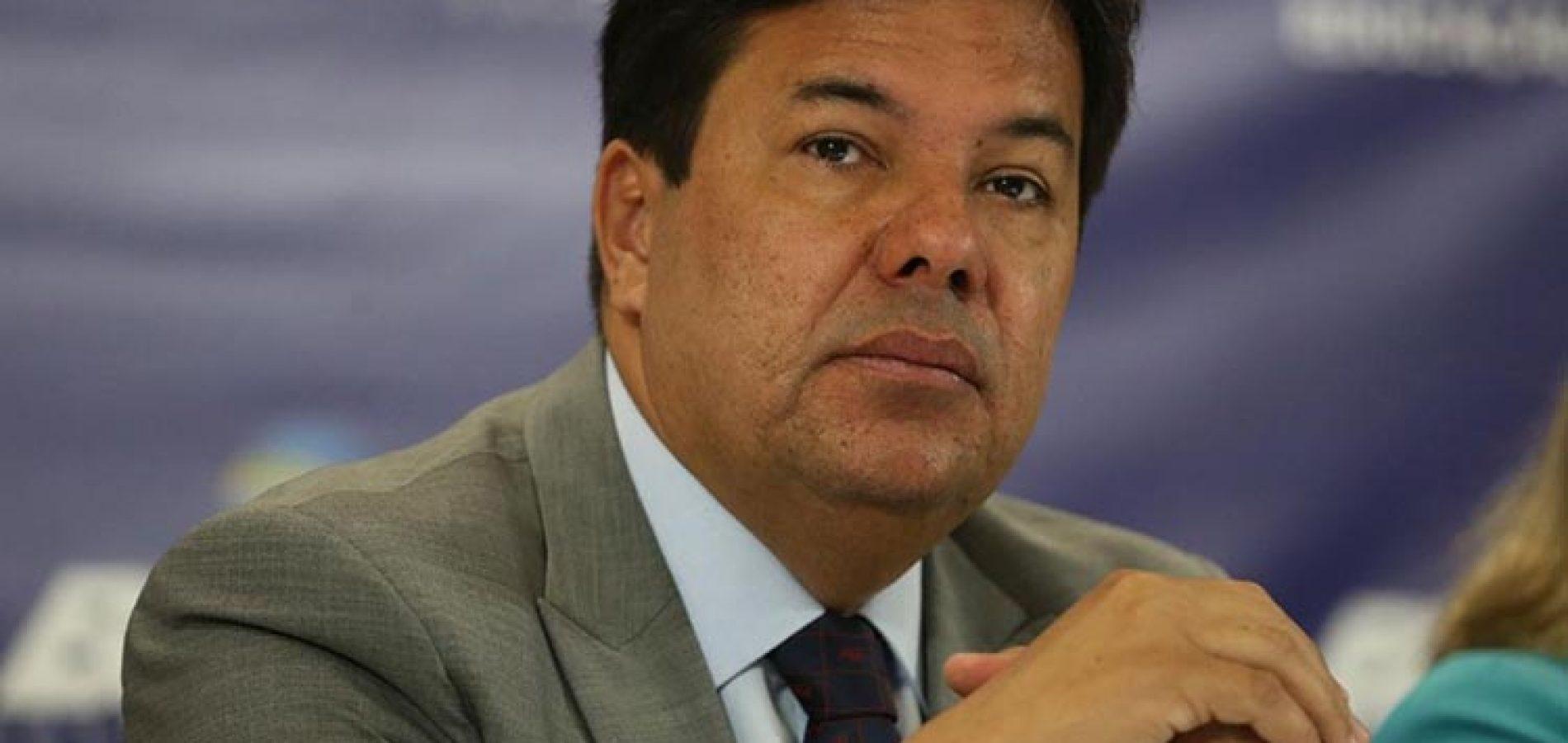 """Ministro diz que post de professor do Piauí é """"fake news"""" e aciona a PF"""