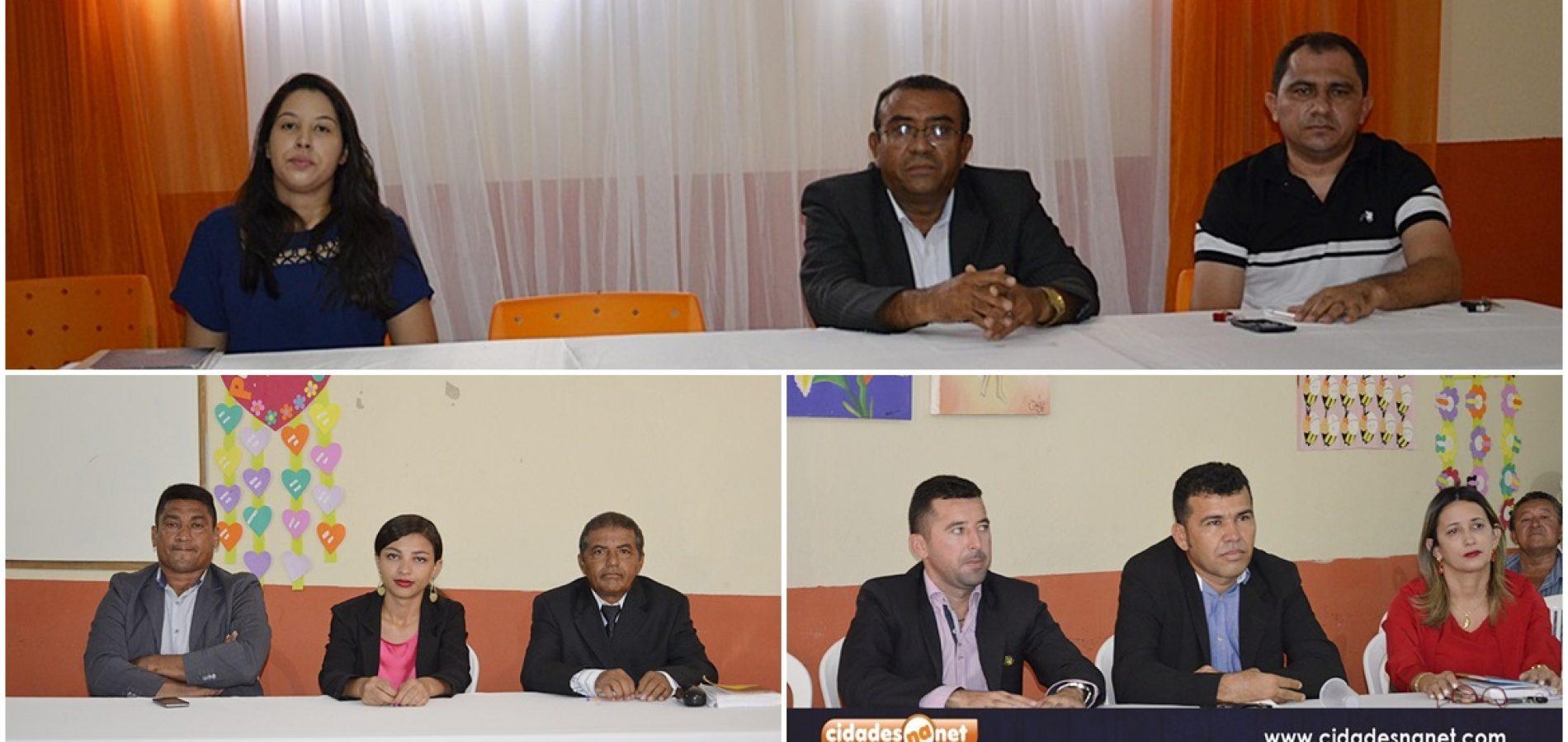 Vereadores discursam em sessão da Câmara Municipal de Patos do Piauí