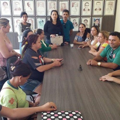 Servidores da Saúde de Picos se reúnem com gestão para cobrar salários atrasados