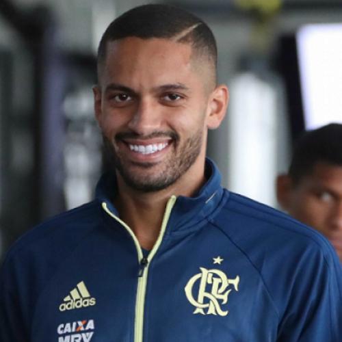 Flamengo tem projeto para recuperar Rômulo e ter 'volante de Seleção' no ano que vem