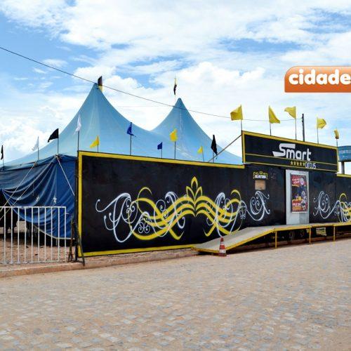 Circo Delplata com o palhaço Danony realiza temporada em Alagoinha do Piauí; veja fotos