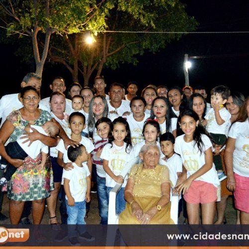 GENTE EM EVIDÊNCIA | Dona Enedina celebra 80 anos de vida com familiares e amigos em Vila Nova do Piauí