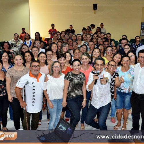 Palestra com Isaque Folha abre o ano letivo em Caldeirão Grande do Piauí