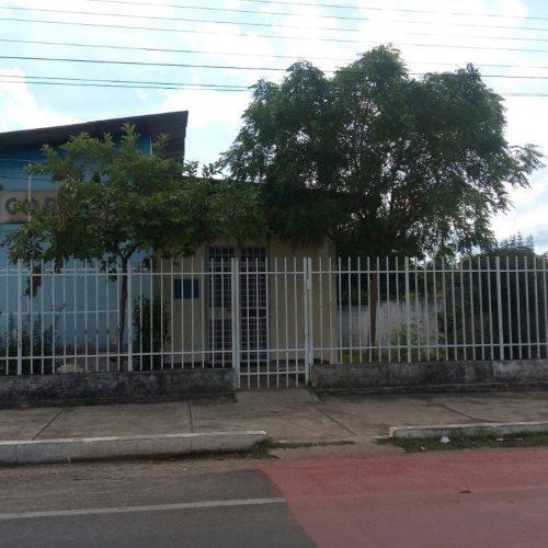 Criminosos assaltam agência dos Correios e prendem funcionários no banheiro no PI