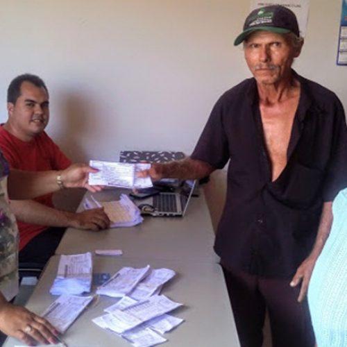 Prefeitura de Simões realiza entrega de boletos do Garantia Safra