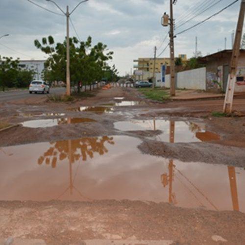 Vias laterais da BR-316 em Picos continuam intrafegáveis