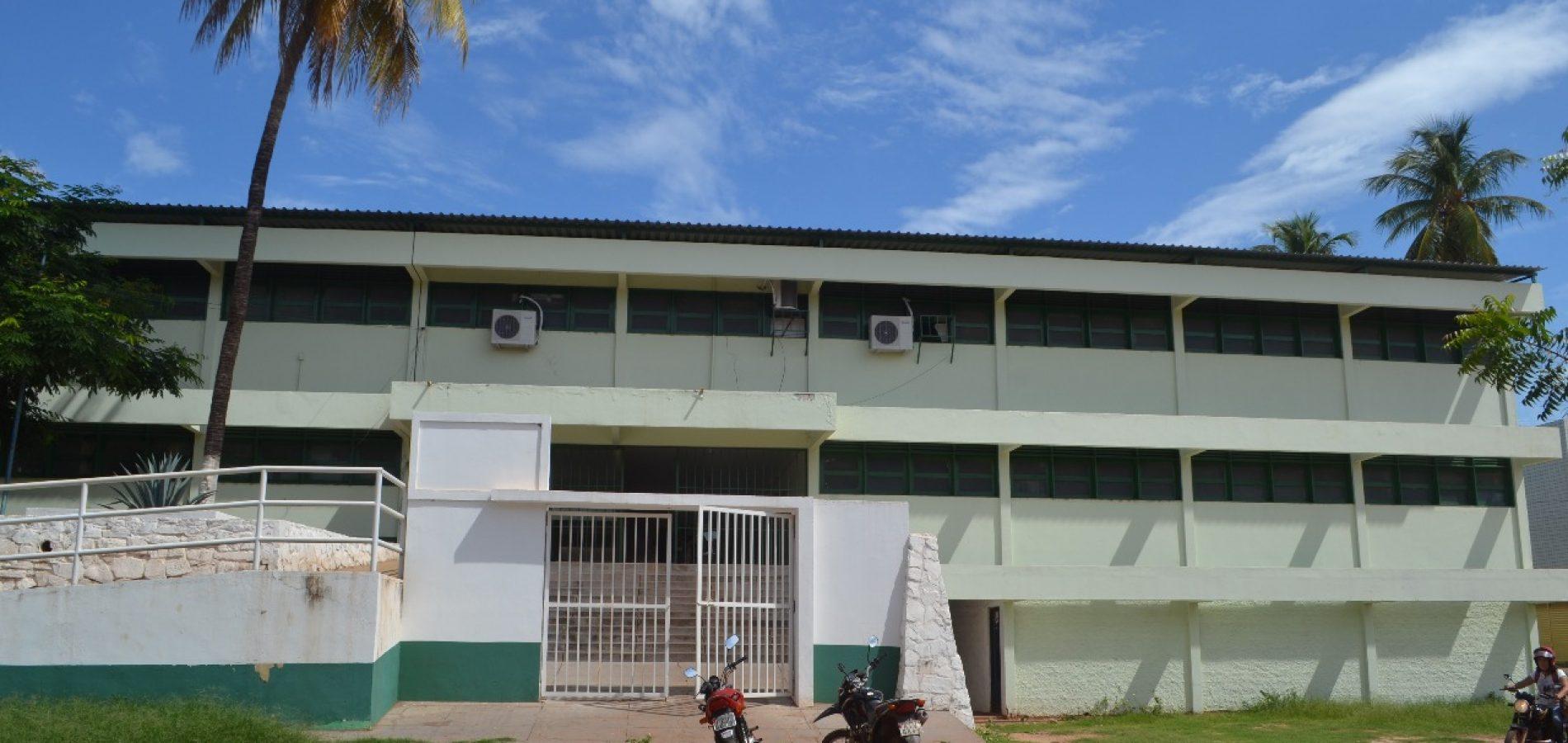 Após roubos constantes, professores compram câmeras de segurança para escola em Picos