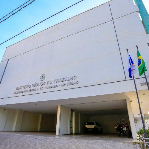 MPT no PI apura mais de 200 denúncias de salários atrasados de terceirizados