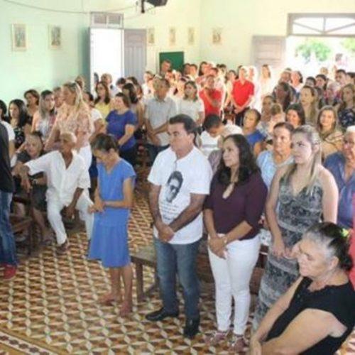 Centenas de pessoas participam de Missa de 1 Ano da morte do prefeito eleito em Santana do PI