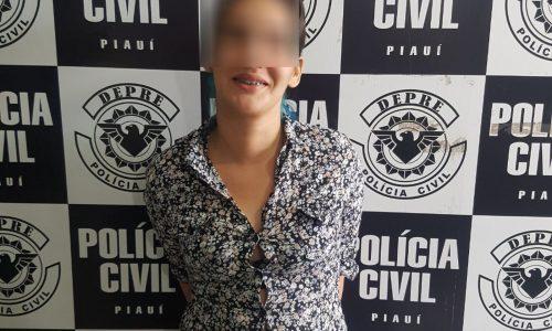 Debochada, mulher sorri ao ser presa por tráfico de drogas no PI