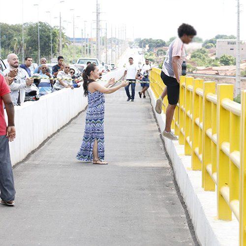 Psicóloga recém-formada salva rapaz em ponte no Piauí e se emociona