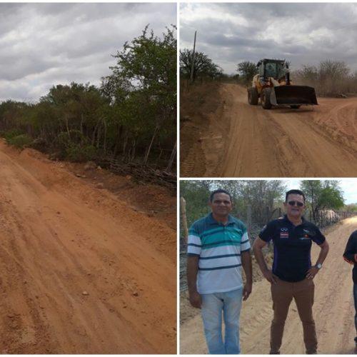Prefeito acompanha recuperação de estradas vicinais em Padre Marcos