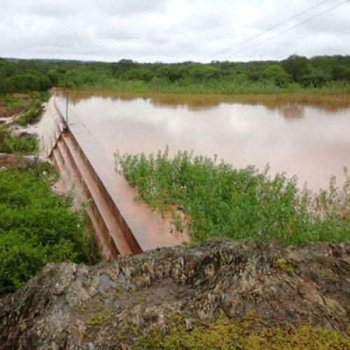 Chuva faz pequenas barragens de São Julião transbordarem; Veja Fotos