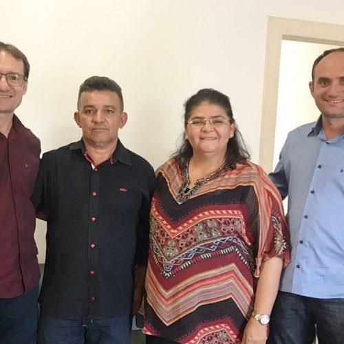 Vereador deixa a oposição e fortalece o grupo do prefeito Chico Carvalho em Massapê do PI