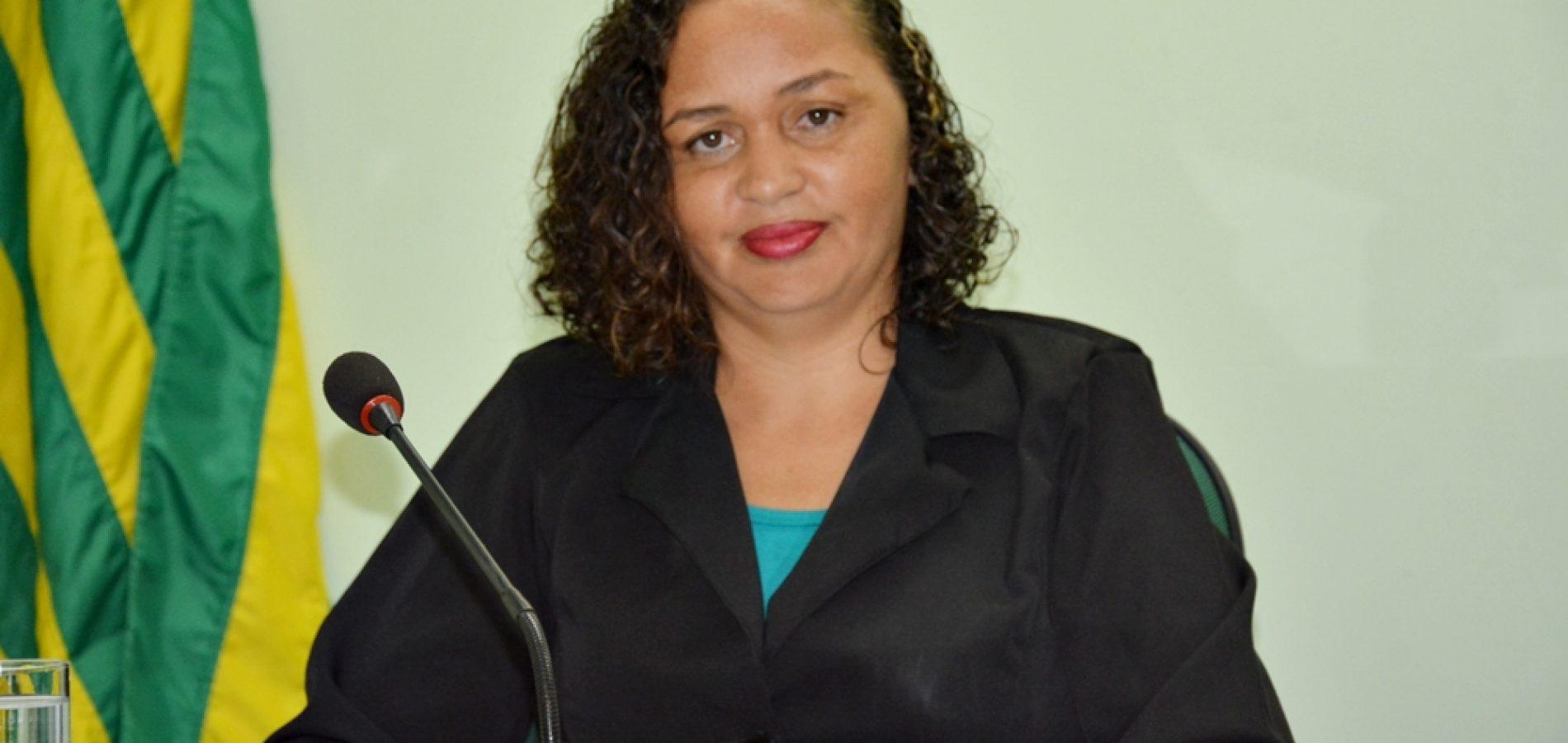 'Energia é essencial para uma melhor qualidade de vida', diz vereadora ao cobrar retomada Luz para Todos em Jaicós