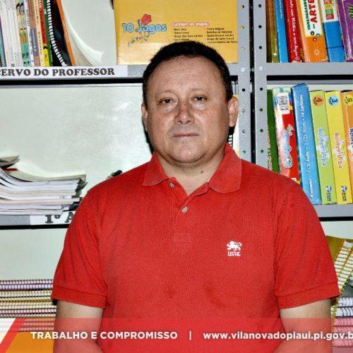VILA NOVA   Mostrando compromisso, prefeito Edilson Brito paga 'terço de férias' a servidores da Educação