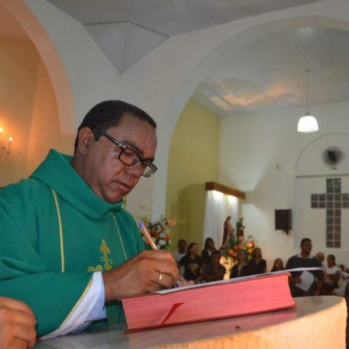 Pe. Antônio Cristo toma posse canônica como Pároco em Santa Cruz do Piauí