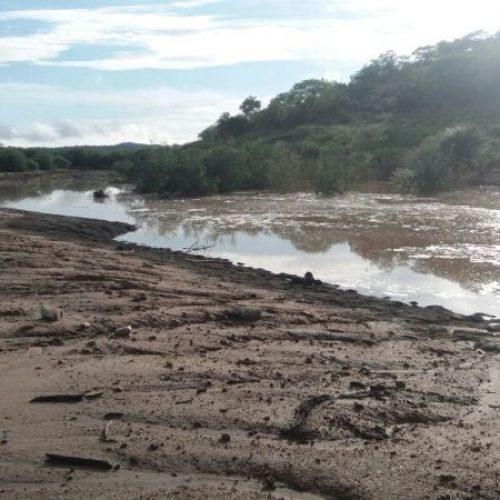 PIO IX | Açude Cajazeiras começa a receber as primeiras águas; veja o vídeo