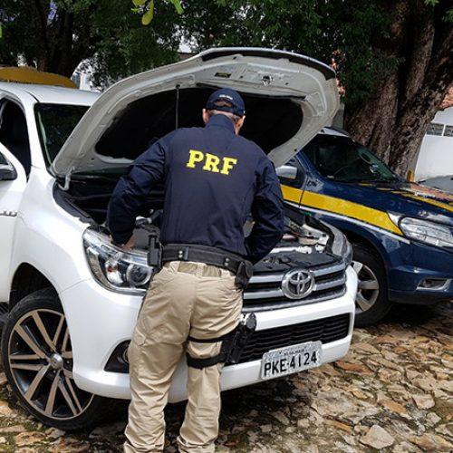 PRF apreende picape com placa clonada e prefeito do Piauí é conduzido
