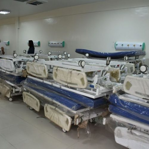 Entrega de equipamentos reforça ortopedia e obstetrícia do Hospital Regional em Picos
