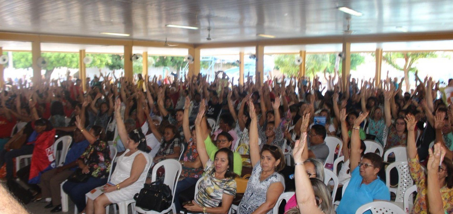 Professores aceitam proposta do governo e encerram greve