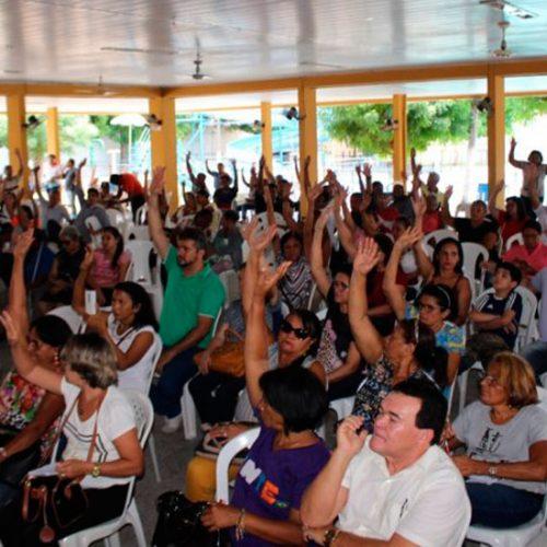 Professores da rede estadual aprovam estado de greve no Piauí