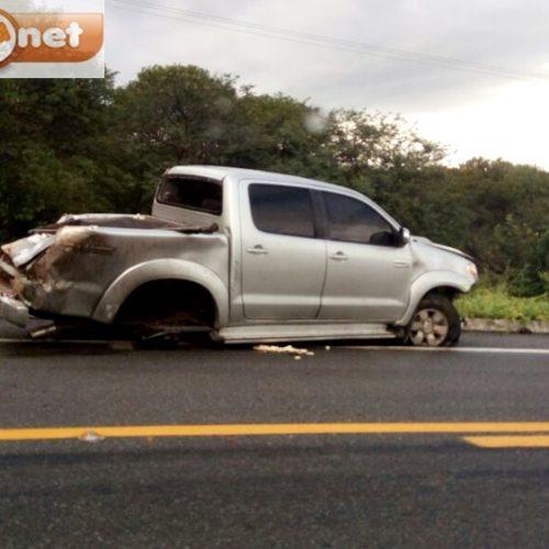 Motorista perde controle de Hilux e sofre acidente na BR 407, em Jaicós