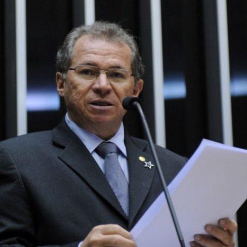 Presidente do PT diz que insistência do MDB por chapão gera tensão na base