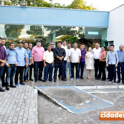 ALEGRETE | Caravana do prefeito Márcio participa do evento de 'balanço dos 3 anos da deputada Rejane Dias à frente da Seduc'