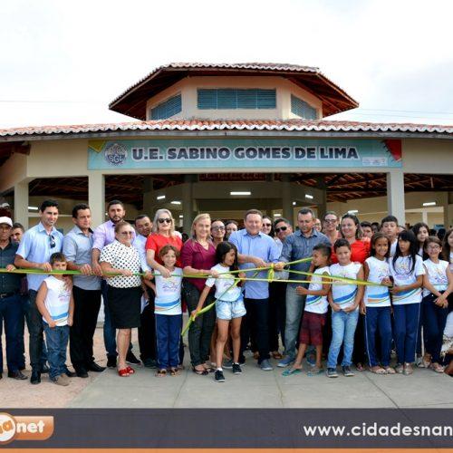 Prefeito Edilson Brito inaugura escola modelo em Vila Nova do Piauí