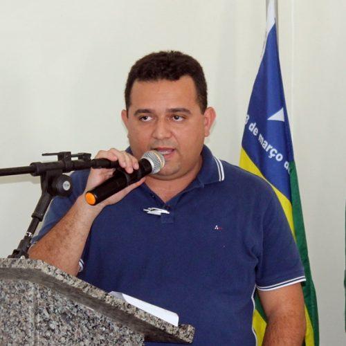 Câmara aprova e Prefeitura de Caridade do Piauí vai pagar R$ 1 milhão de abono aos professores