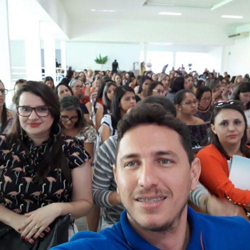 Assistente Social de Vila Nova participa do Encontro de Gestores Municipais em Teresina