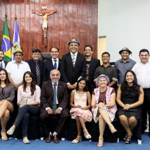 Cantor Chambinho do Acordeon recebe Título de Cidadão de Fortaleza