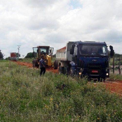 BELÉM | Prefeitura piçarra estrada e melhora acesso às comunidades rurais