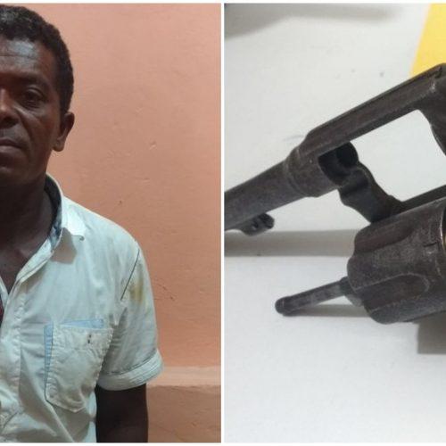 SIMÕES | Homem é preso armado após ameaçar o irmão e efetuar disparos