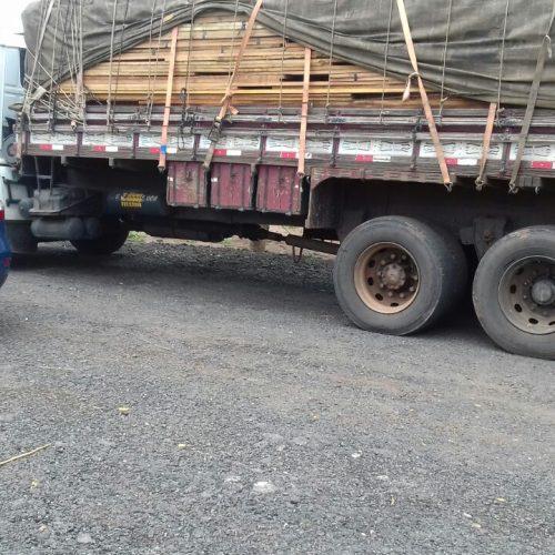 PRF apreende 22 toneladas de madeira ilegal na BR 316 em Picos