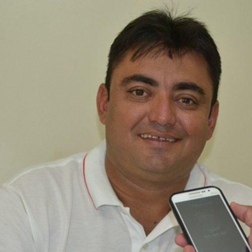 Às vésperas do feriado de Páscoa, prefeito Márcio Alencar antecipa salários dos servidores municipais