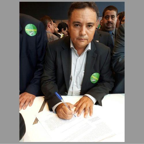 Prefeito Milton vai a Brasília e firma parceria para levar internet a 43 comunidades de Vera Mendes