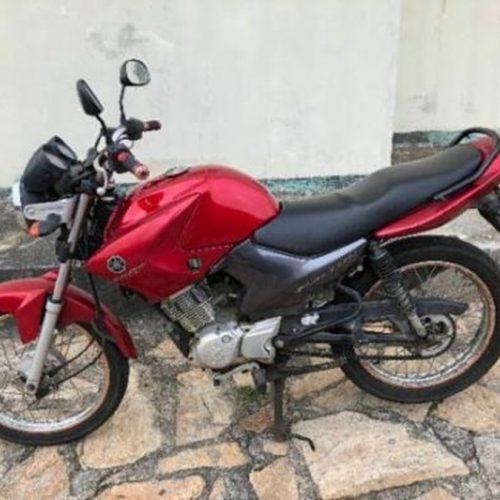 Motocicleta furtada é encontrada no bairro Parque de Exposição em Picos