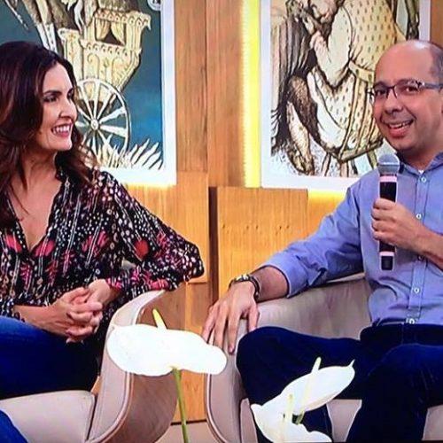 Fátima Bernardes entrevista professor que acalmou bebê de aluna em faculdade de Teresina
