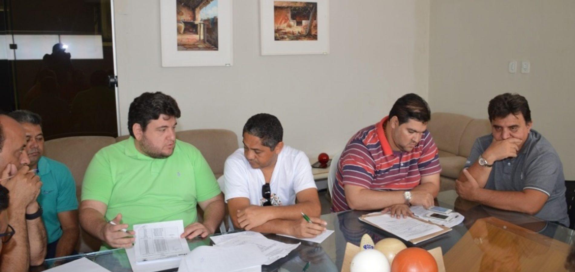 Novo projeto da taxa de iluminação em Picos gera impasse