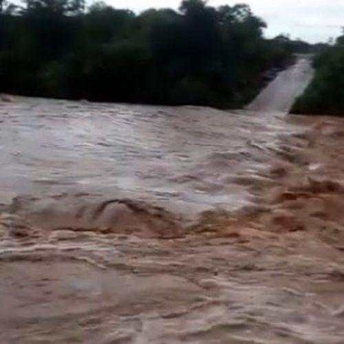 Rio Guaribas registra maior cheia dos últimos 10 anos