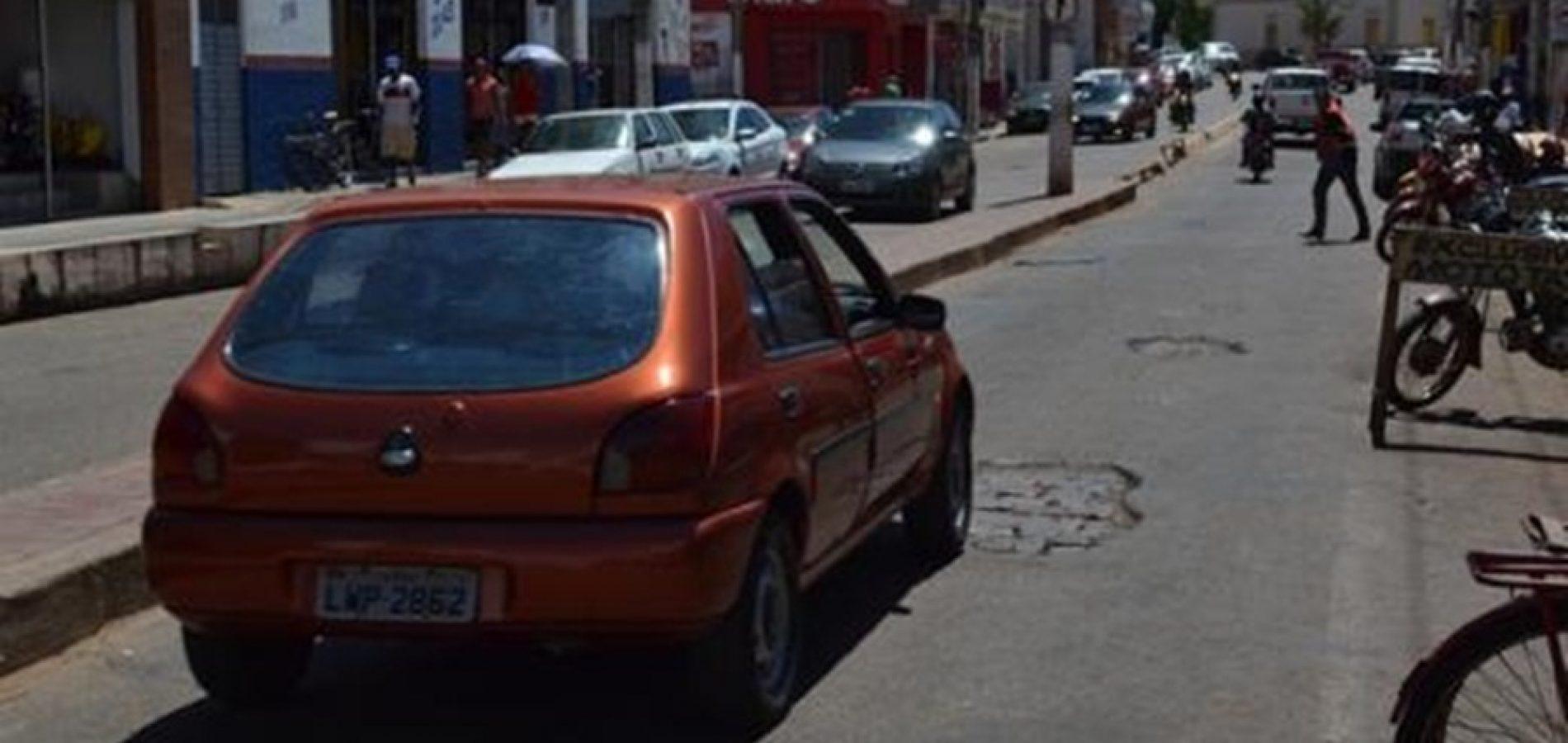 Buracos se multiplicam na Av. Getúlio Vargas em Picos