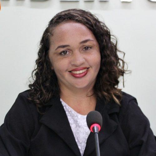 Construção de praças e creches em Jaicós é solicitada pela vereadora Sirlene Lopes